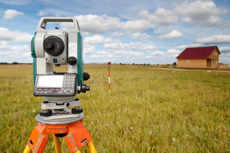 Zaměření avytyčení pozemku